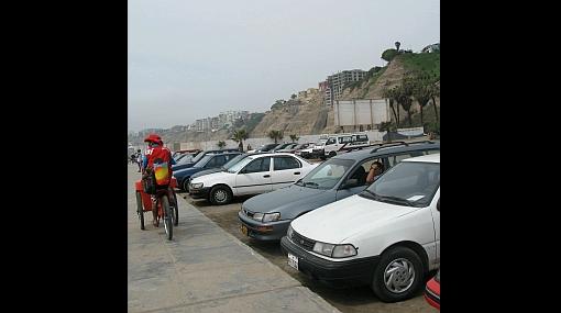 Ratifican cobro de parqueo en las playas de Barranco