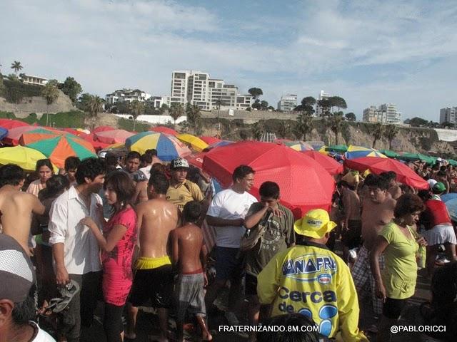 Miles de veraneantes abarrotaron las playas de la Costa Verde