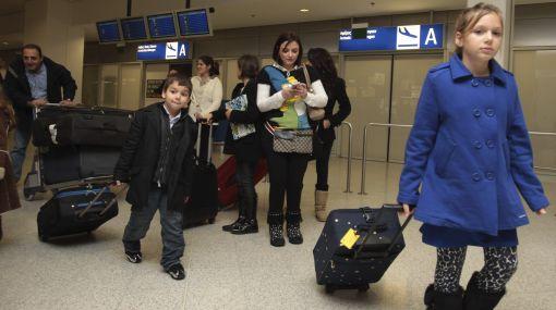 Caos en aeropuerto de El Cairo: miles de extranjeros intentan escapar