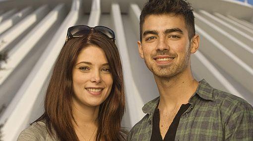 Ashley Greene habla por primera vez de su relación con Joe Jonas