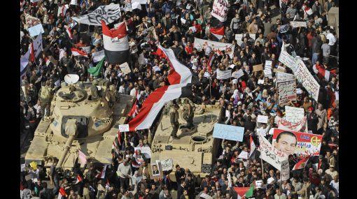 Un muerto y más de 600 heridos en nuevos enfrentamientos en Egipto