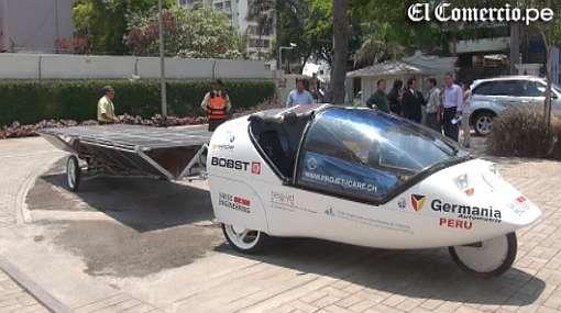 Novedoso vehículo que funciona con energía eólico-solar llegó a Lima