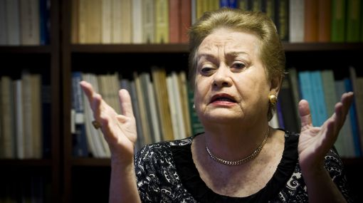 """Martha Hildebrandt explica el significado de """"Hora peruana"""" y """"Hora Cabana"""""""