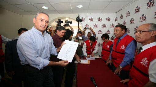 Cambio Radical presentó al JEELC su lista de candidatos al Congreso