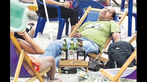 Mayoría de adultos rescatados del mar había ingerido alcohol