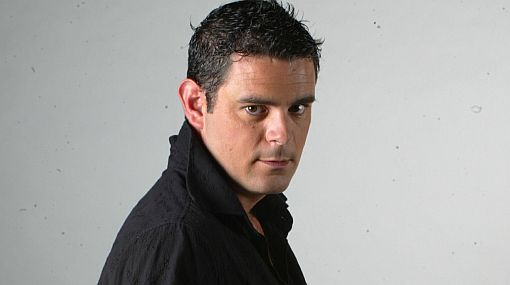 """Julián Legaspi: """"Soy seductor como mi personaje"""""""