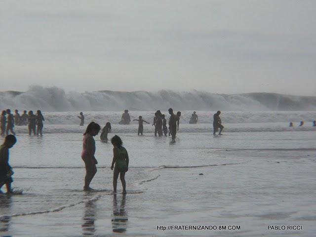 Un reportubero muestra cómo se pasa un día de relax en la playa Bujama