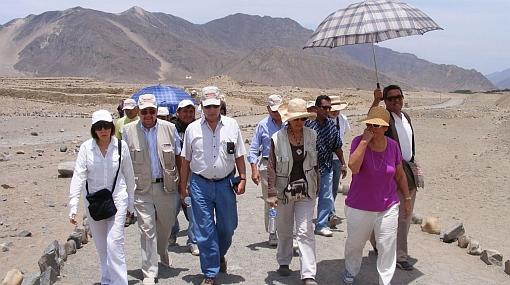 Mario Vargas Llosa se quedó maravillado con la ciudadela de Caral