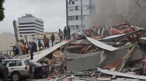 Dan por muertas a 100 personas atrapadas tras terremoto en Nueva Zelanda