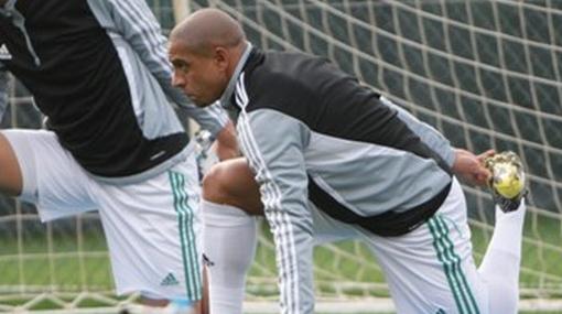 Roberto Carlos debutará mañana en el fútbol de Rusia