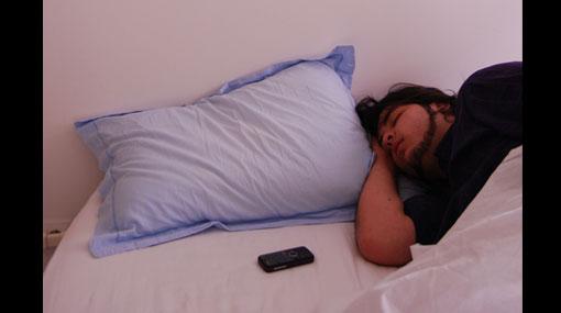 ¿Problemas para dormir? Entonces apague los aparatos electrónicos