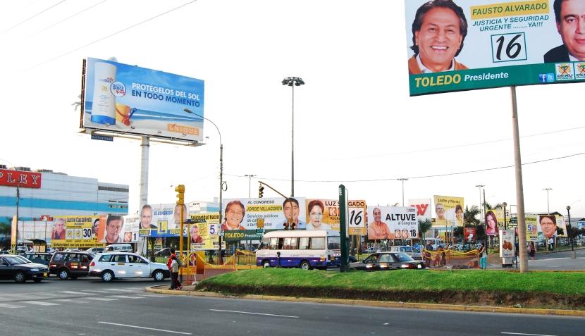 ¿Cansado de ver tantos paneles electorales en Lima? Envía tus imágenes a Reportube