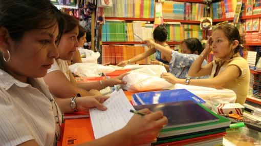 Padres pueden consultar precios de textos escolares por Internet