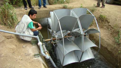 Proyecto universitario genera energías limpias en los Andes