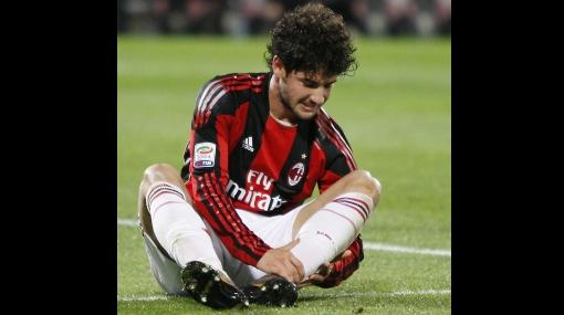 Milan perdió 1-0 frente al Palermo y ve peligrar su liderato en la Serie A