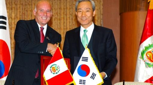 Hoy entró en vigencia el TLC entre el Perú y Corea del Sur