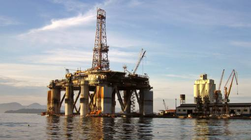 Barack Obama propone que Estados Unidos importe menos petróleo