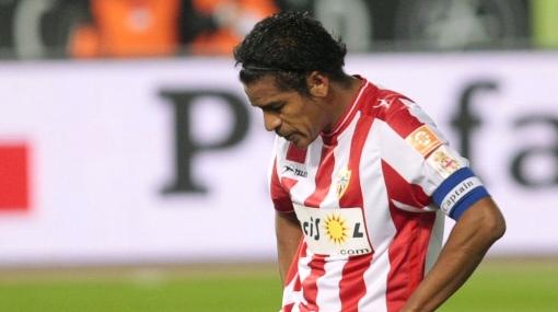 Almería despidió a su DT y al 'Santi' Acasiete le dio fiebre