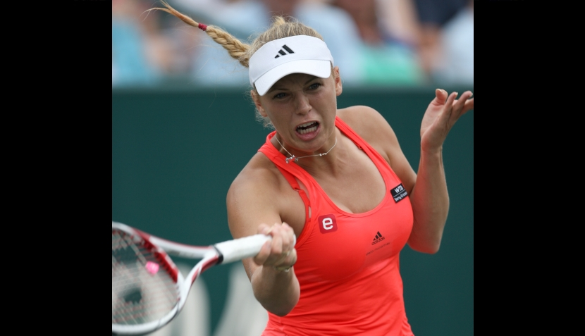 Wozniacki campeona en Charleston y Clijsters se torció el tobillo bailando