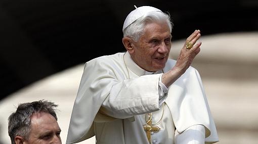 """Benedicto XVI critica a cristianos por """"alejarse de Dios"""""""