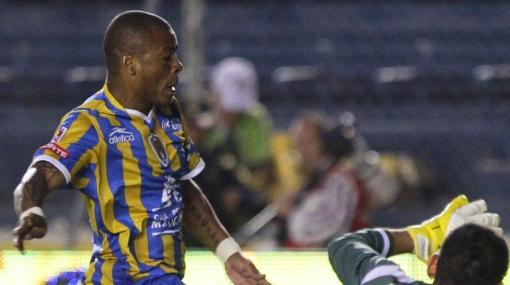 San Luis aplastó al Toluca por 5-1 con gol del 'Zorrito' Aguirre