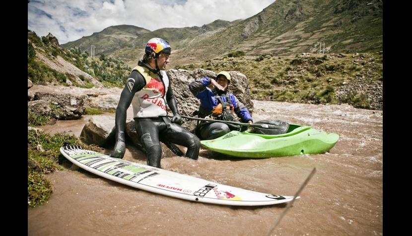 Extremo: Gabriel Villarán surfeó en río Vilcanota del Cusco