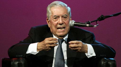 """Para Vargas Llosa los jóvenes que chatean piensan """"como un mono"""""""