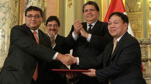 El Perú firmó contrato de concesión con operador de telefonía móvil