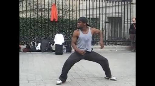 VIDEO: un impresionante bailarín callejero en París