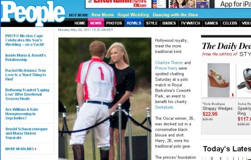 Príncipe Harry fue captado muy sonriente con Charlize Theron