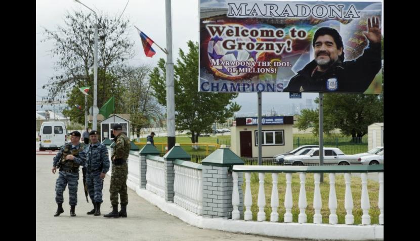 FOTOS: Maradona y Figo derrocharon calidad en inauguración de estadio en Chechenia