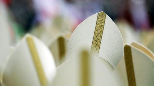 Vaticano pide que curas pedófilos sean entregados a la justicia civil