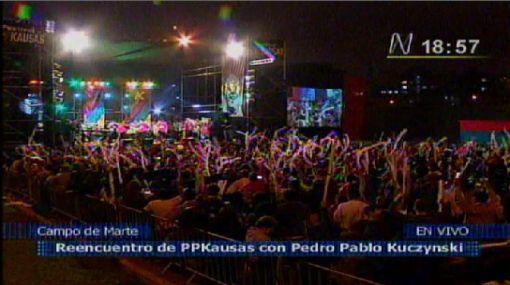 Simpatizantes de PPK celebran reencuentro en el Campo de Marte