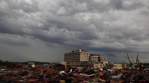 Meteorólogos pronostican para hoy más tornados en Estados Unidos