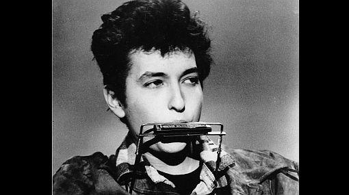 Bob Dylan: 70 años del mítico cantante con camino inacabable