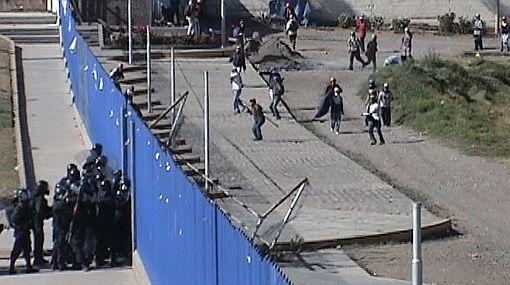 Huancayo: policía desalojó a estudiantes que tomaron Universidad del Centro