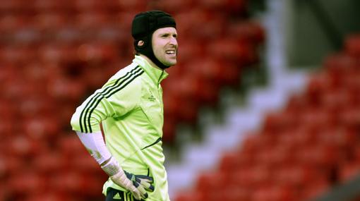 Petr Cech fue convocado a última hora para atajar ante Perú en Copa Kirin