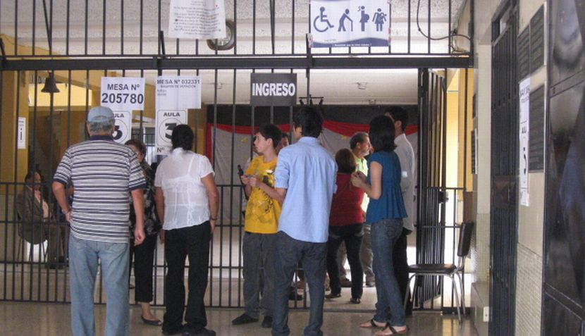 Peruanos en el extranjero comparten fotos de las votaciones