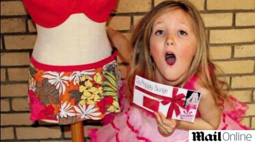 Por su cumpleaños: niña de 7 años recibió vale para agrandar su busto
