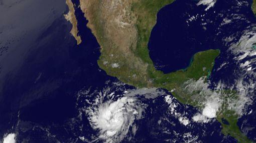 Alerta en litoral mexicano por huracán Adrián de categoría IV