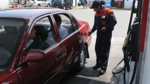 ¿Subió el precio del combustible en el grifo al que siempre acudes?