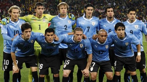 Uruguay goleó 5-0: Forlán, Suárez, Abreu y Cavani dan un aviso a Perú