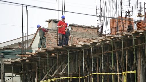 Economía peruana registró su menor crecimiento en 14 meses