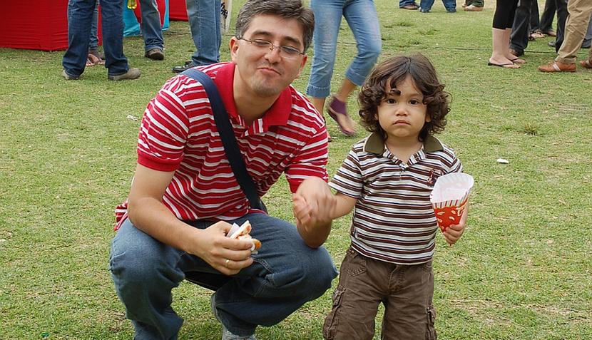 Lectores nos mandan fotos con sus papás y con sus hijos por el Día del Padre