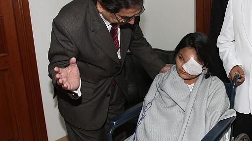 Reconstrucción facial de joven madre estaría lista en 45 días