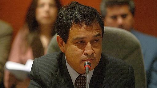 Oficialismo cierra filas en apoyo a ministros de Defensa e Interior