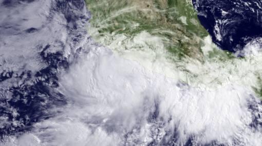 Huracán Beatriz golpea la costa de México con vientos de 130 km/h
