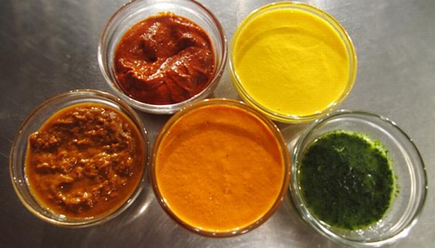 Primer paso: aprende a hacer los aderezos base de la cocina peruana