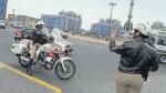 CRÓNICA: las Fénix, quienes enfrentan el caótico tráfico de Lima - Noticias de luis alberto grados angulo