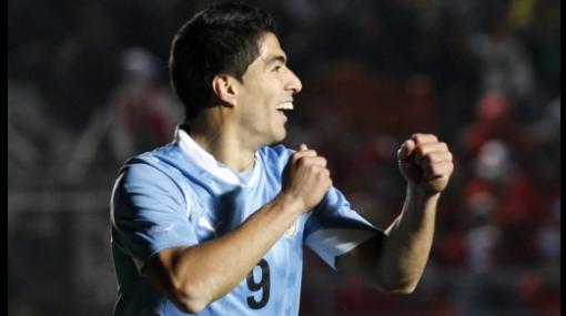 Jugadores charrúas terminaron frustrados tras empate ante Perú